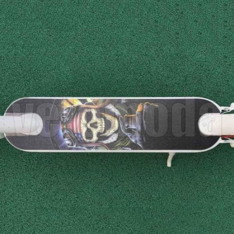 Коврик ПВХ + наждачка на клейкой основе для электросамоката Xiaomi Mijia M365 (Капитан Америка)