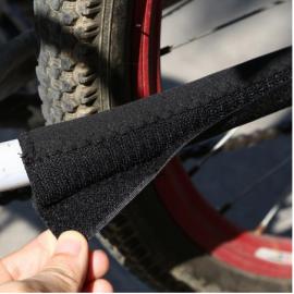 Защита подвески от цепи пластиковая (красный/синий/черный)